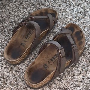 Birkenstocks brown leather with toe strap